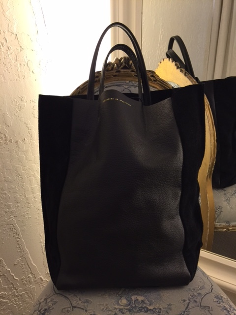 blanc blog let's get out of town bag 3.JPG