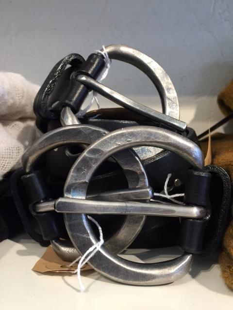 blanc blog belts 3.JPG