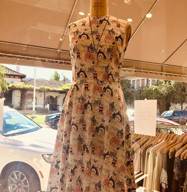 Margaux from Mill Valley! Classic a line cotton party dresses. Blanc is proud to have this exclusive collection. #margaux #blancsananselmo #blancsf #cotton #linenclothing #femininestyle #dresses👗 #gauchopants #localdesigner #prettyprints #94960 #presideoheights #marin