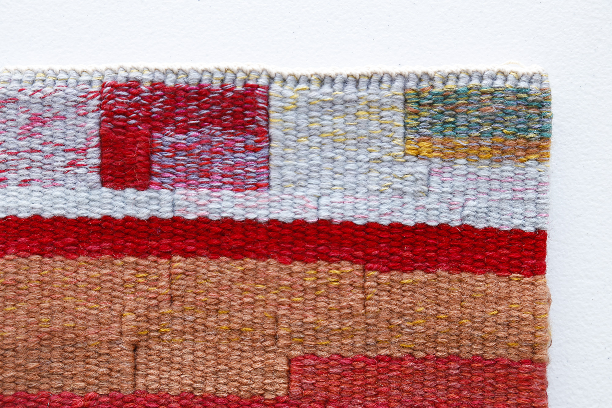 COLOUR MIXING FOR WOVEN TAPESTRY with SARA LINDSAY