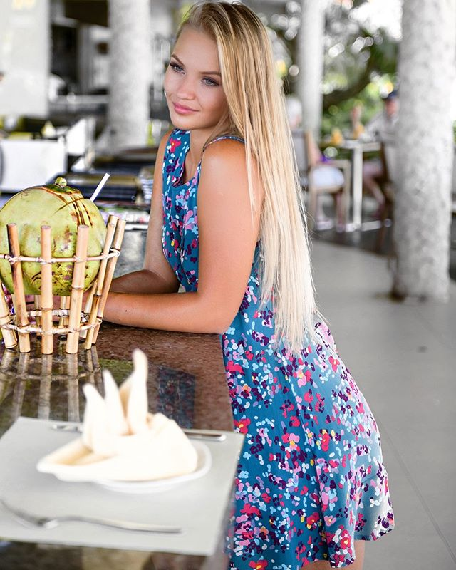 Almost time for a coconut or cocktail 🥥🍹 Shop the Summer Storewide Sale now on! ⚡️ More than 50% off ⚡️ The Chateau Emerald Sleeveless Lola Dress ~ www.yannika.com.au #yannikadesigns