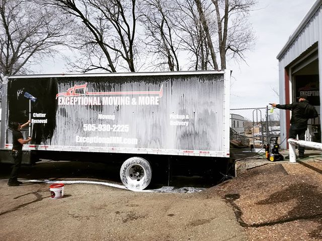 Truck Wash Tuesday  #chemicalguys #movers #boxtruck #foamcannon