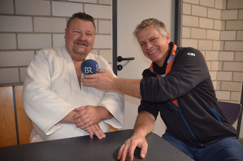 BR-Reporter Bernhard Schulz im Gespräch mit Robert Hundshammer. Foto: Bodo-Klaus Eidmann + Lehrgangsfotos