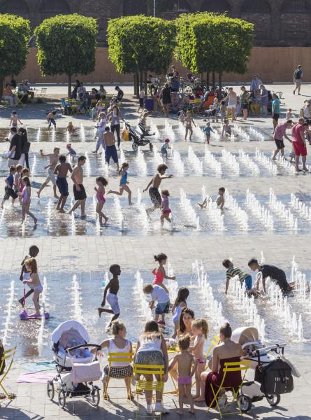 Granary Square in the height of summer