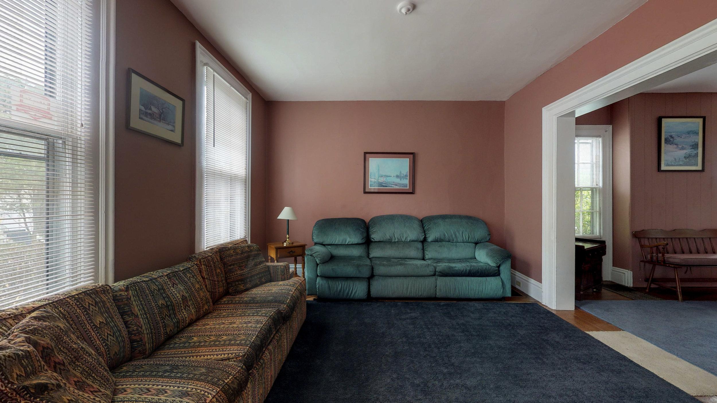 28-17-Bleeker-Ave-06032019_183327.jpg