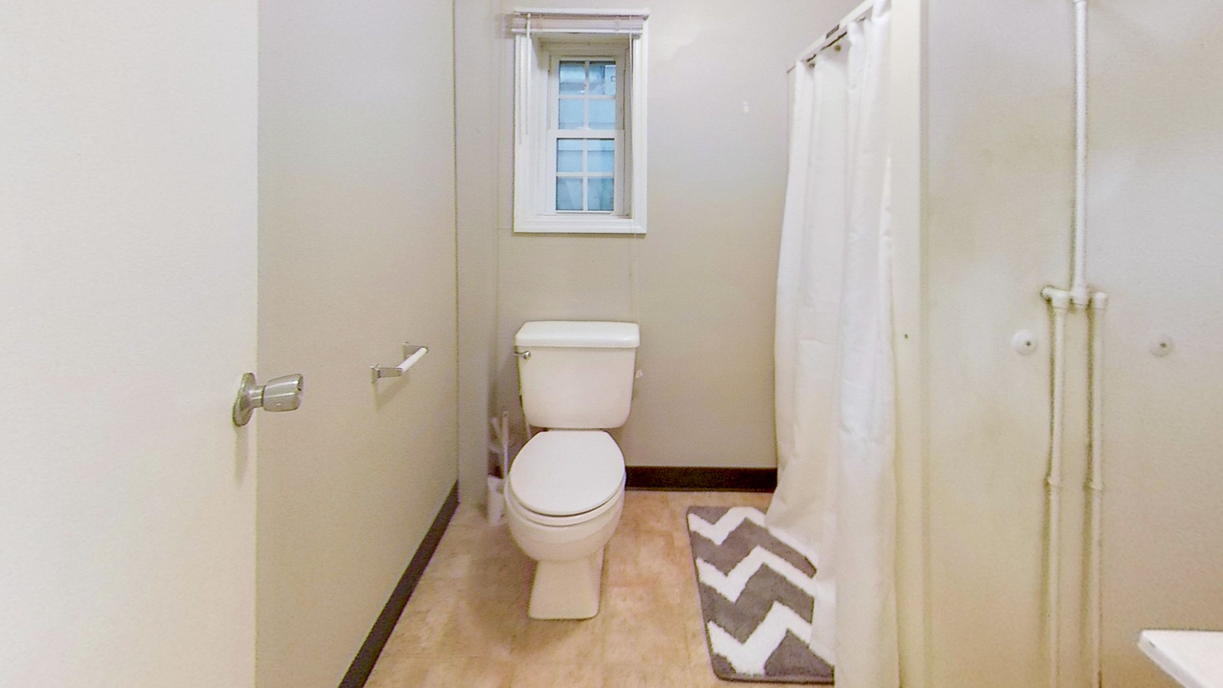 14-2223-14th-1-Bathroom.jpg