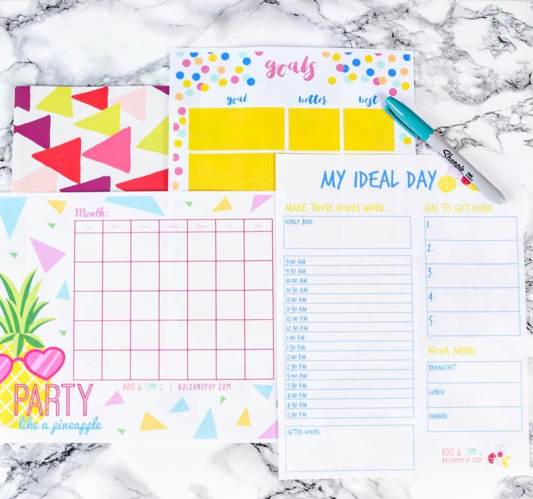 Bold & Pop : Collateral Graphic Design Projects | Press Kit Design | Business Card Design | One Sheet Design  | Mood Board Design | Print Design | Christmas Card Design | Holiday Card Design