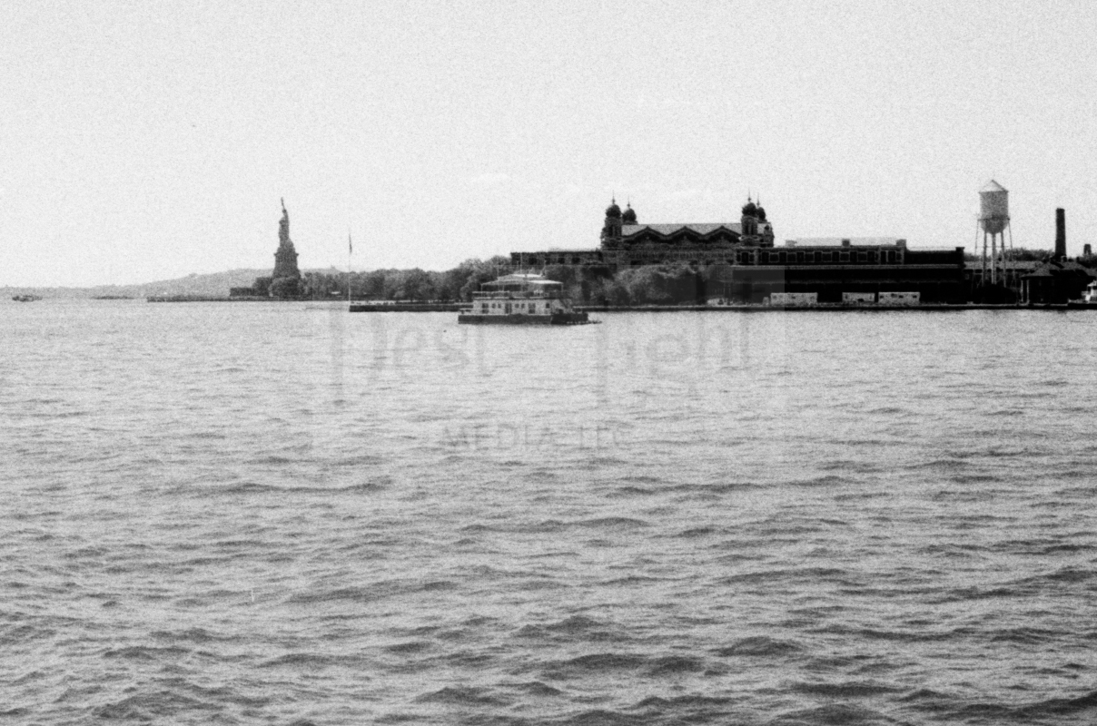 Fuji Neopan ISO 400 Pushed to 1600 -Statue of Liberty & Old Town Alexandria_20151001-15.jpg