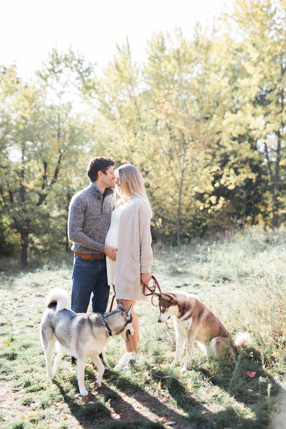 Elza Photographie - Toronto maternity photographer - Film and digital - Bright and airy