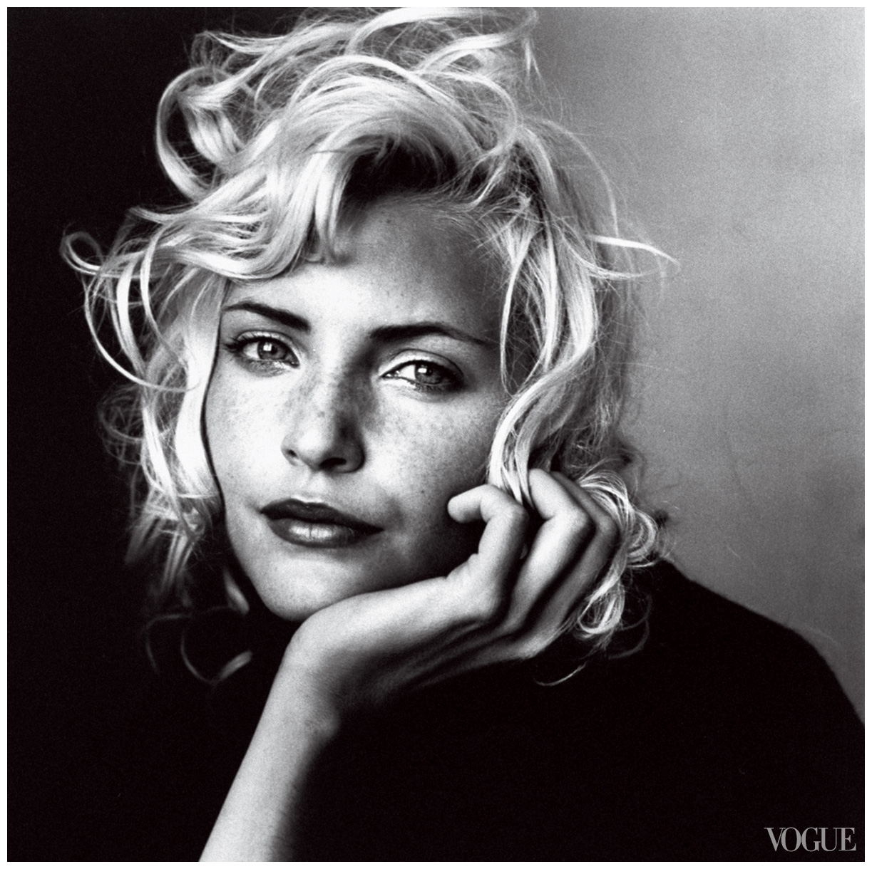 nadja-auermann-photo-irving-penn-vogue-july-1994.jpg