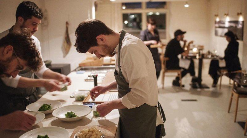 http://www.aok.dk/restaurant-og-cafe/madanmeldelse-koks