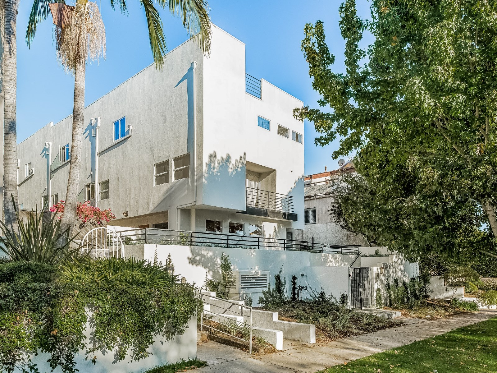 Santa Monica - 2BD2.5BA - 1,475,000.jpg