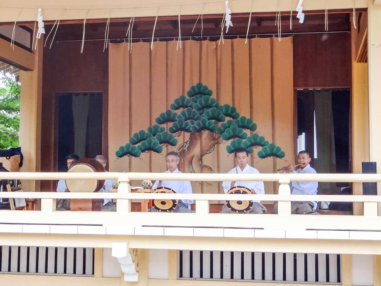 Wakayama Shachu performing Edo Bayashi at Shirahige Jinja