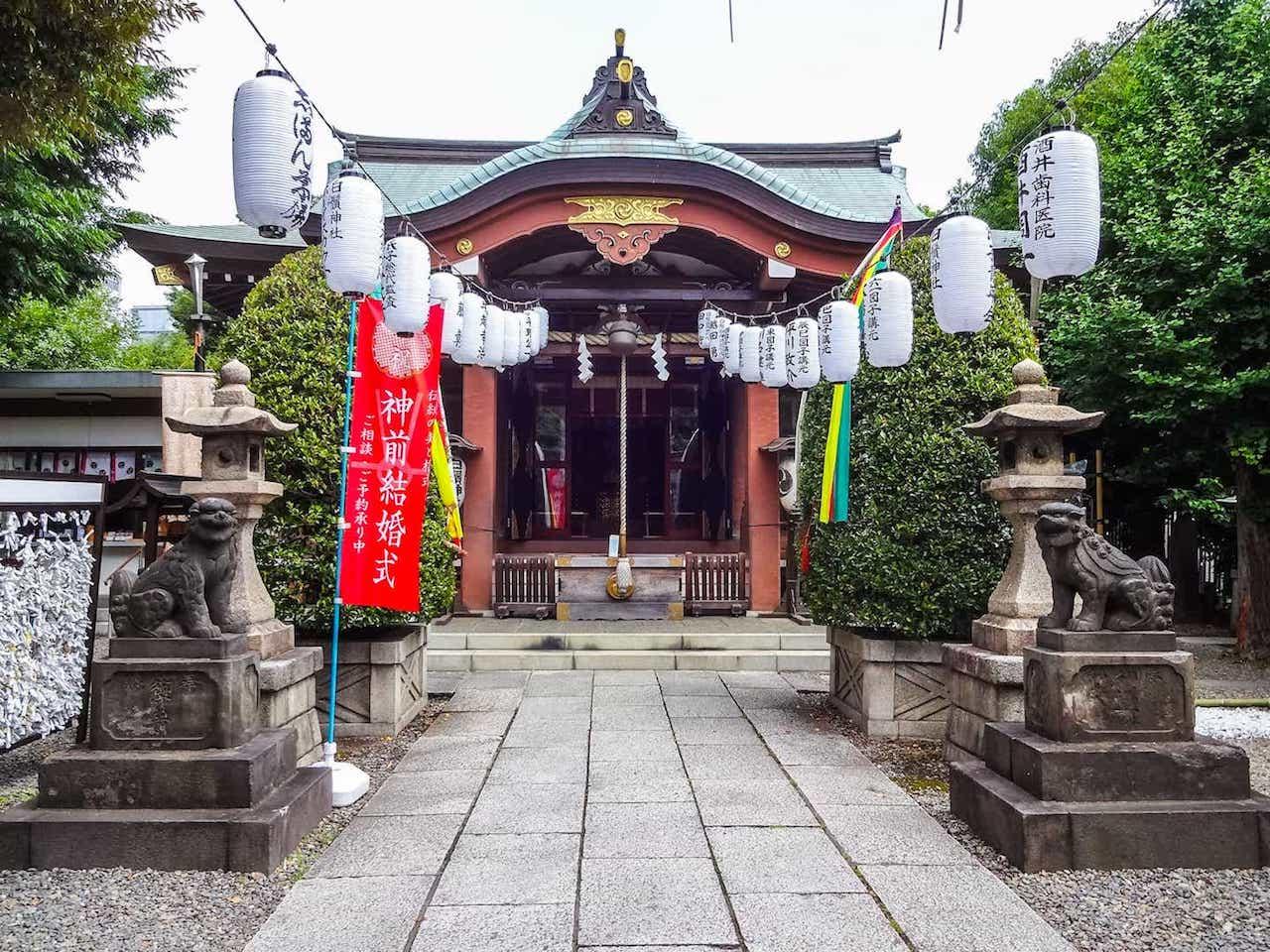 Shirahige Jinja in Tokyo