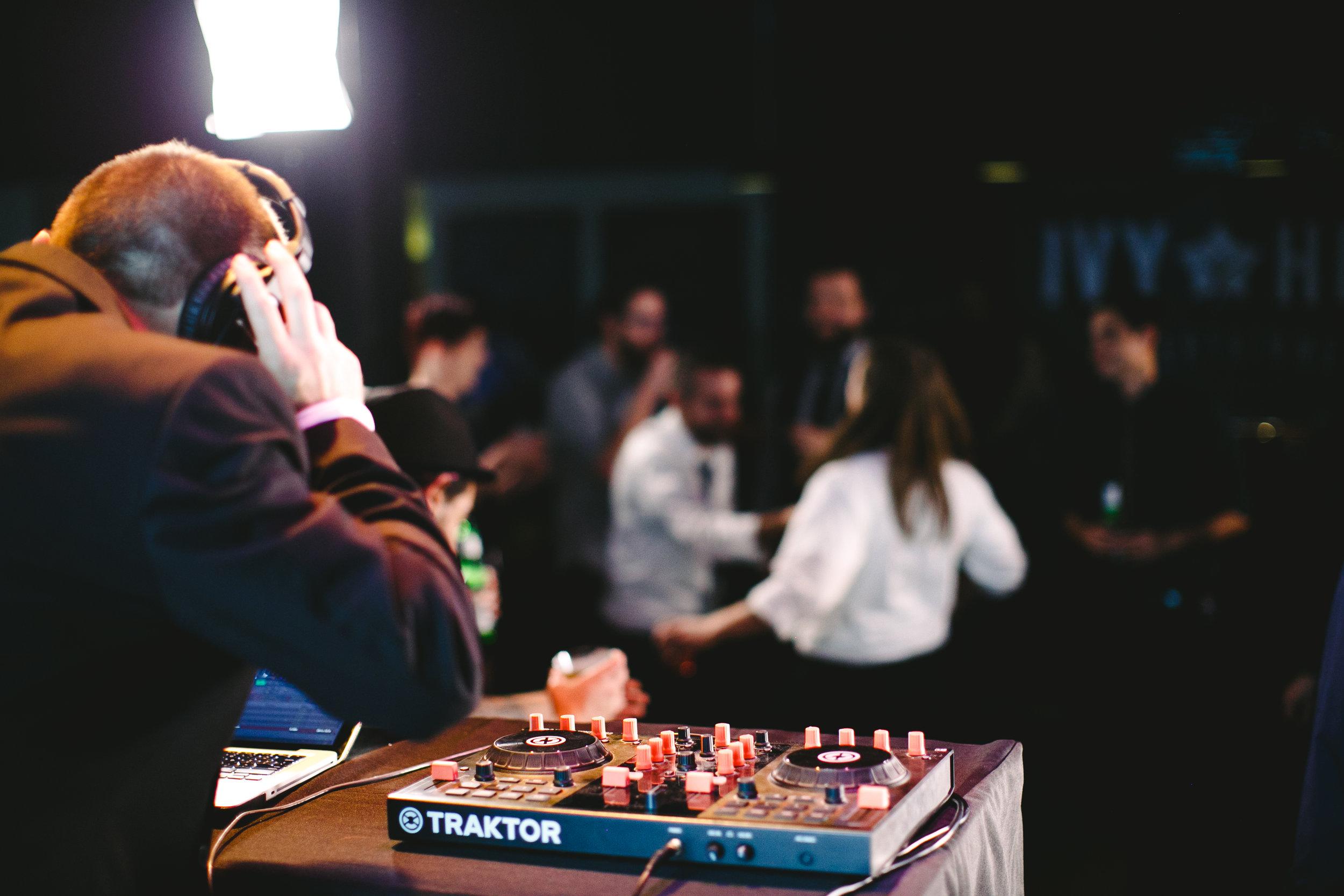 DJ Performer