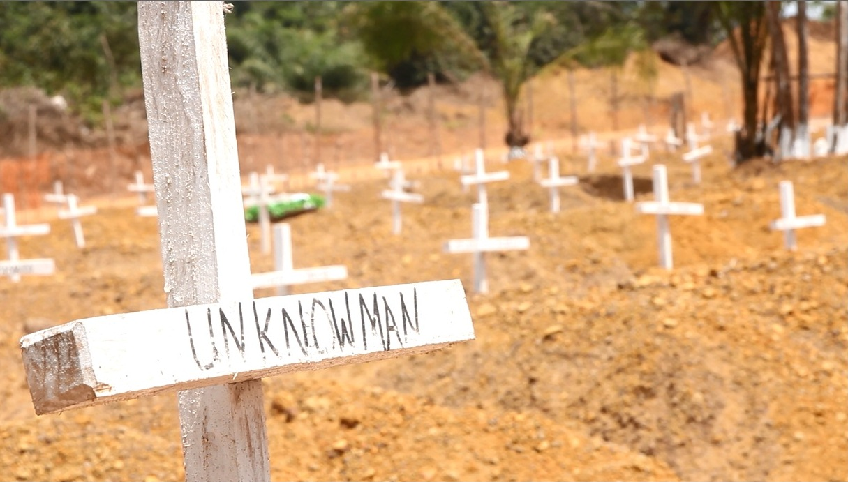 More than 350 Ebola victims have been buried at Disco Hill Cemetery, outside Monrovia, since December 2014. (Nurudeen Sanni/IFRC)