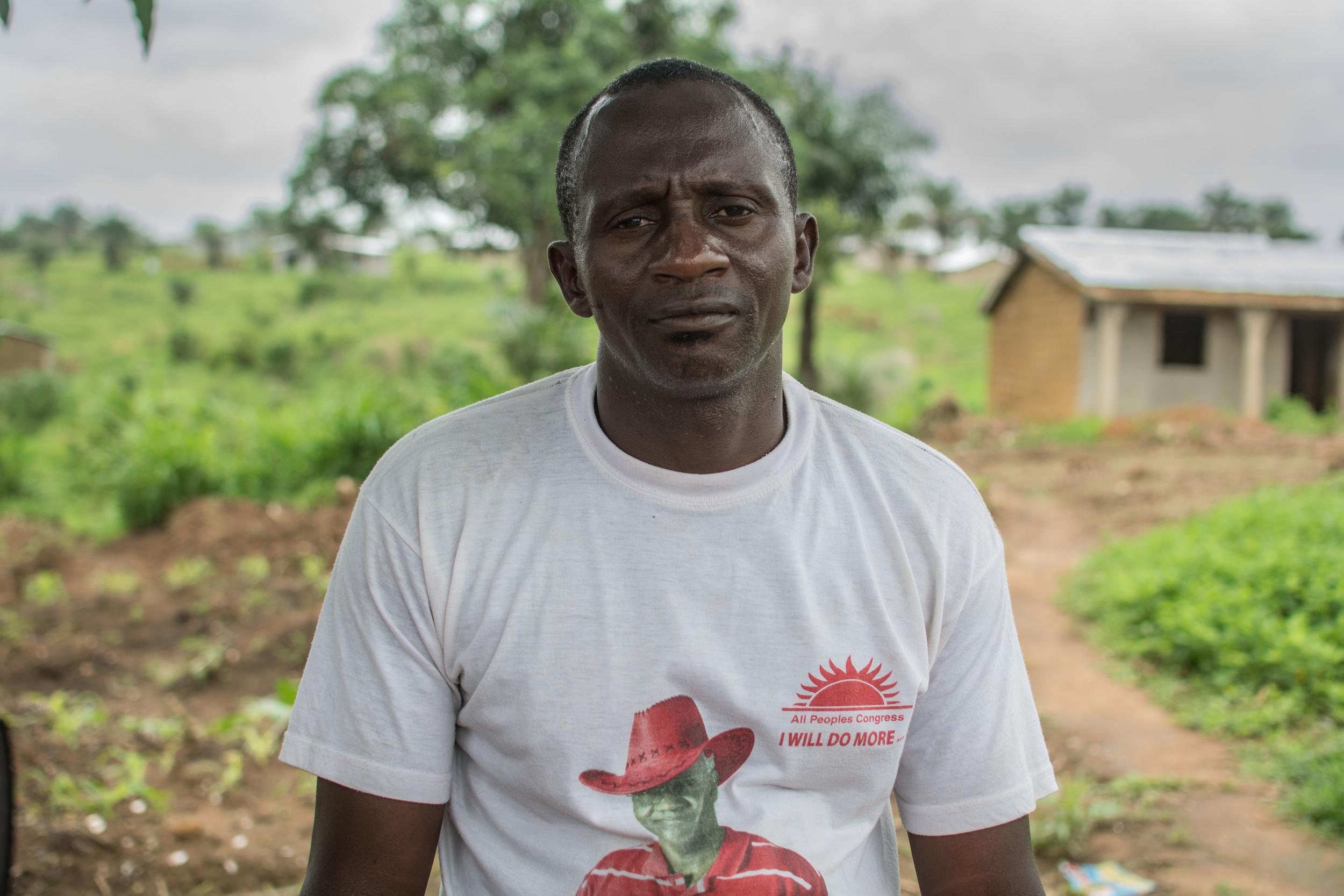 Depuis l'apparition d'Ebola, Foday Kargbo rapporte que nourrir sa famille est devenu un motif d'inquiétude quotidienne.
