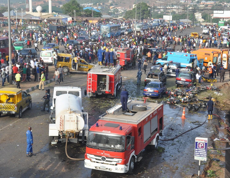 في أعقاب مقتل 75 شخص في تفجير نفذته بوكو حرام في موقف نيانيا للحافلات في أبوجا في أبريل 2014.