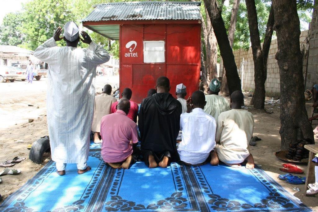 Prière pour la délivrance : Maiduguri a été la cible de plusieurs attentats de Boko Haram depuis 2009 (Obinna Anyadike/IRIN)