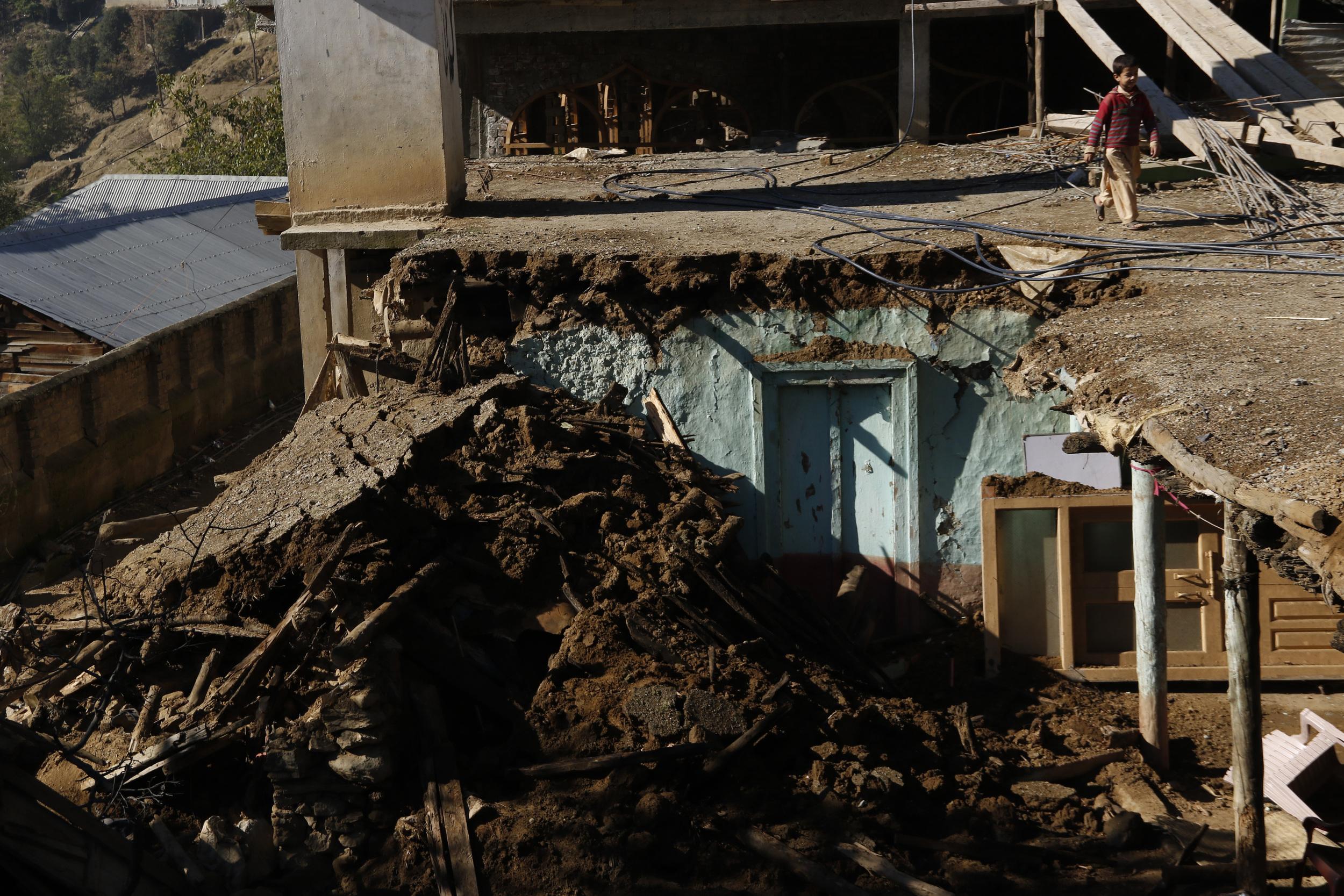 KPK Pak Earthquake Damage 3.jpg