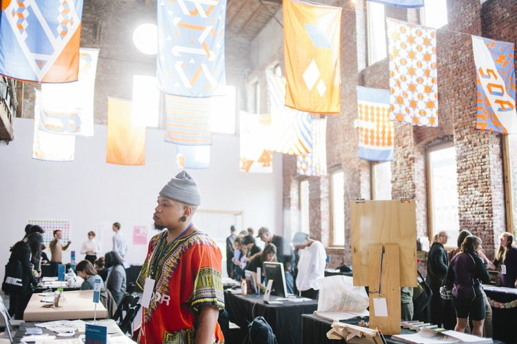 Alternative Art School Fair (2016). Courtesy ©AllysonLupovich via Pioneer Works.