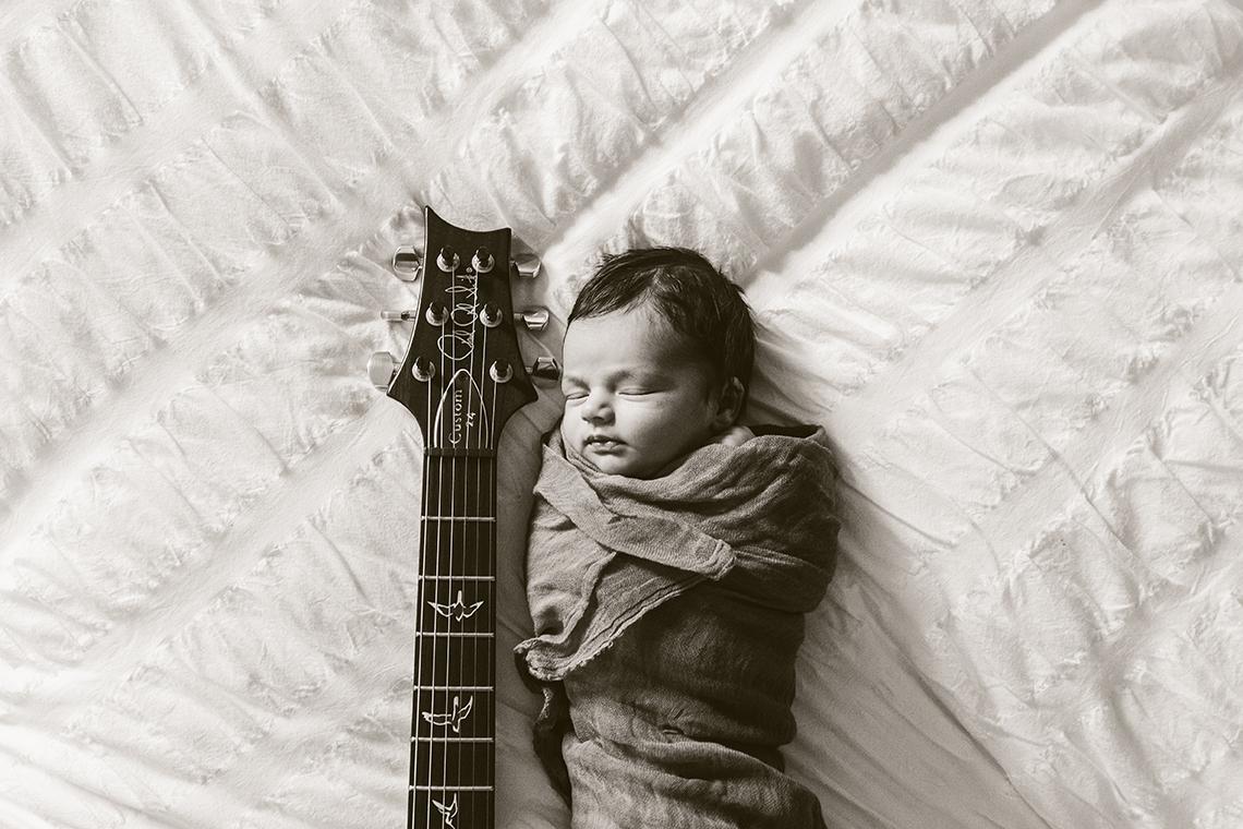 WEB_BW_2014_Newborn_Naveed_BhaduriFamily_0460.jpg