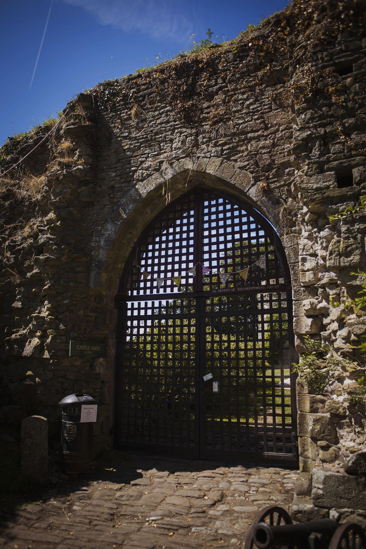 usk castle entrance gate