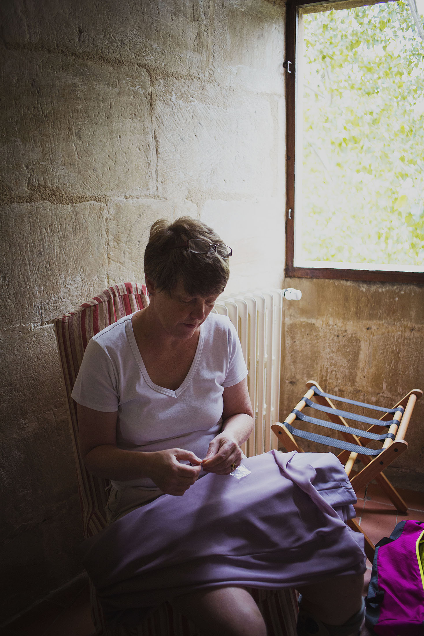 sewing wedding dress chateaux des ducs de joyeuses france destination wedding photography