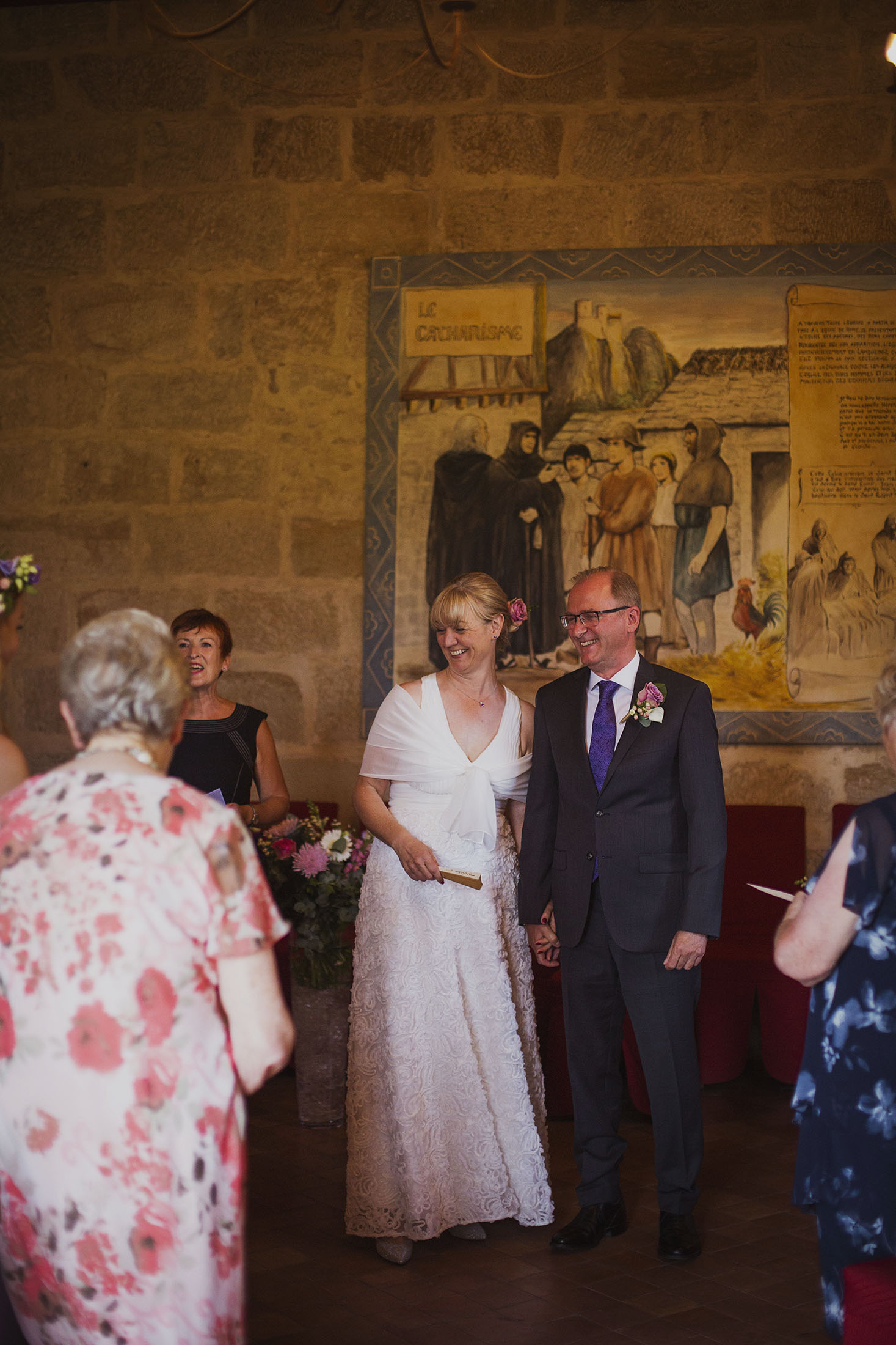 wedding ceremony at chateaux des ducs de joyeuses france destination wedding photography