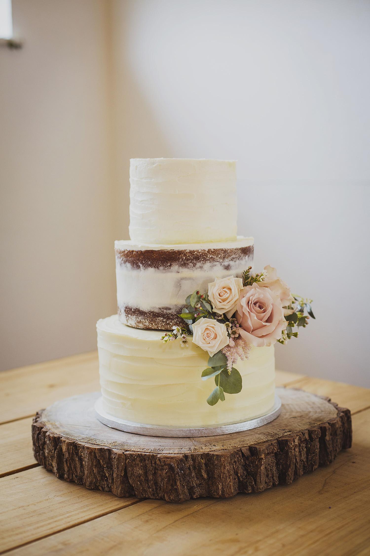 wedding cake at cott farm barn wedding venue somerset