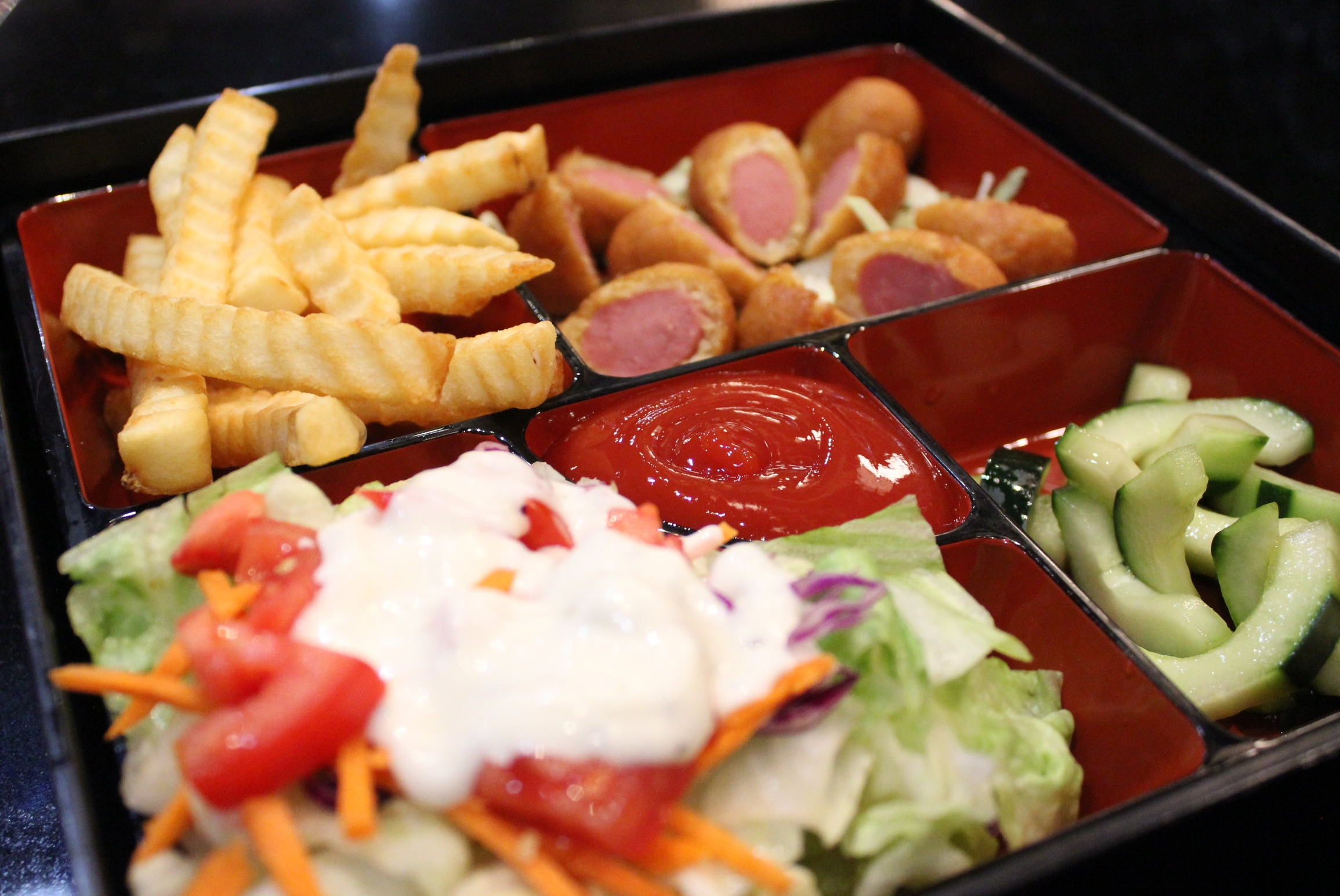 Mini Corn Dogs & Fries - Kids Meal