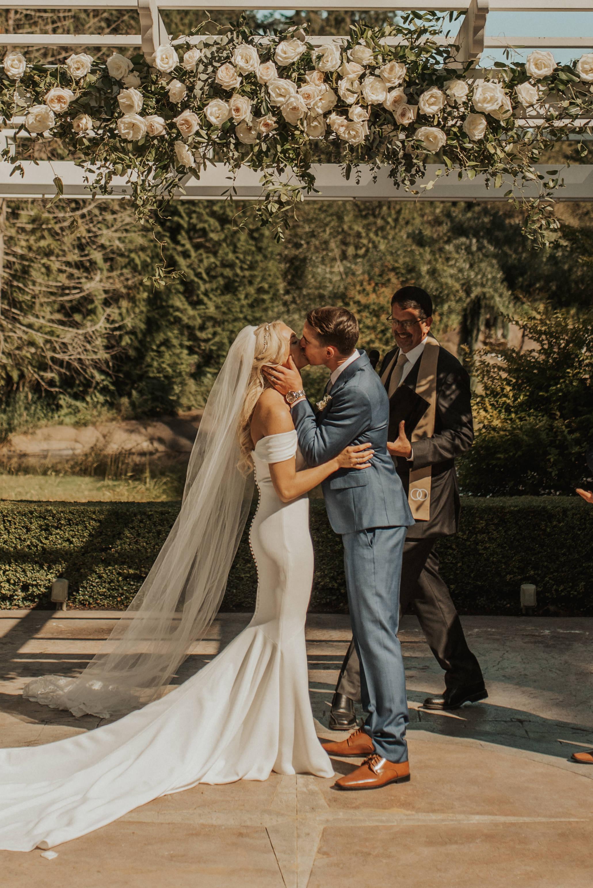 SydneeMariePhotography--CaliforniaWeddingPhotographer--RockCreekGardensWashingtonWedding--Ceremony-126.jpg
