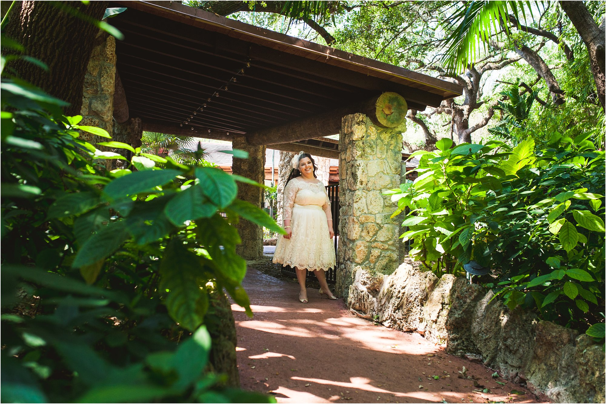 outdoor-rustic-pincrest-gardens-wedding-miami-photographer-jessenia-gonzalez_1005.jpg