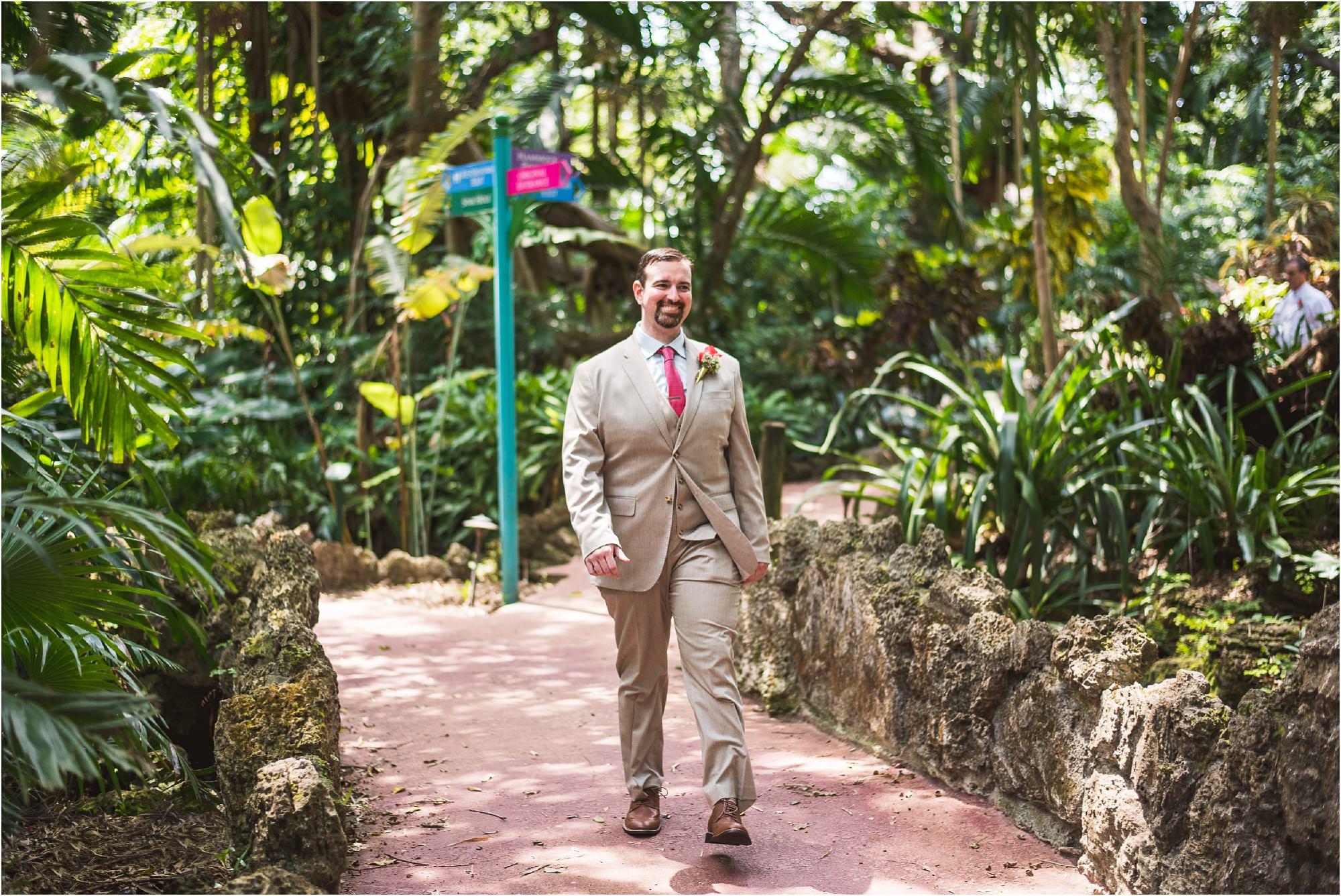 outdoor-rustic-pincrest-gardens-wedding-miami-photographer-jessenia-gonzalez_1025.jpg