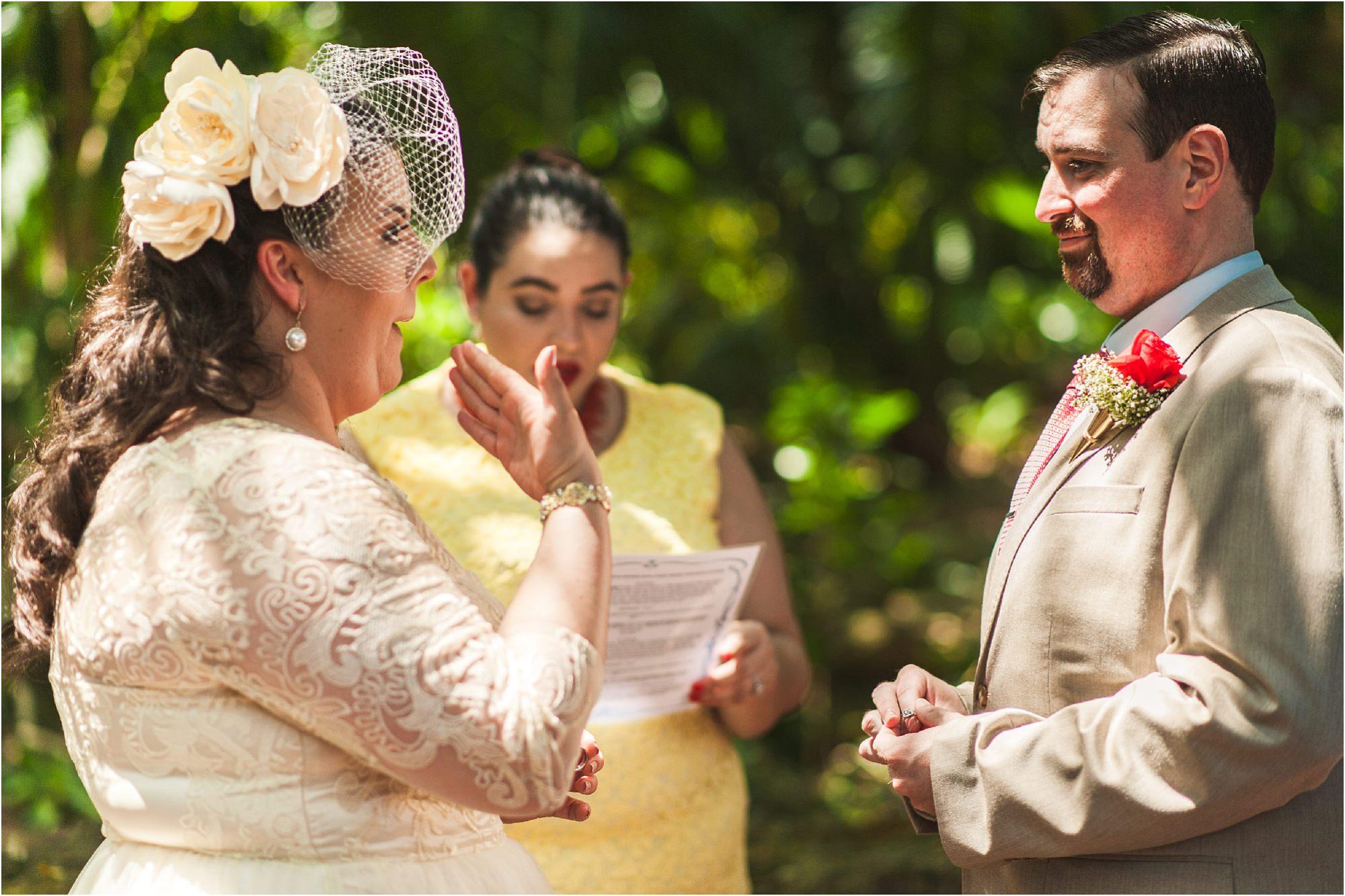 outdoor-rustic-pincrest-gardens-wedding-miami-photographer-jessenia-gonzalez_1041.jpg