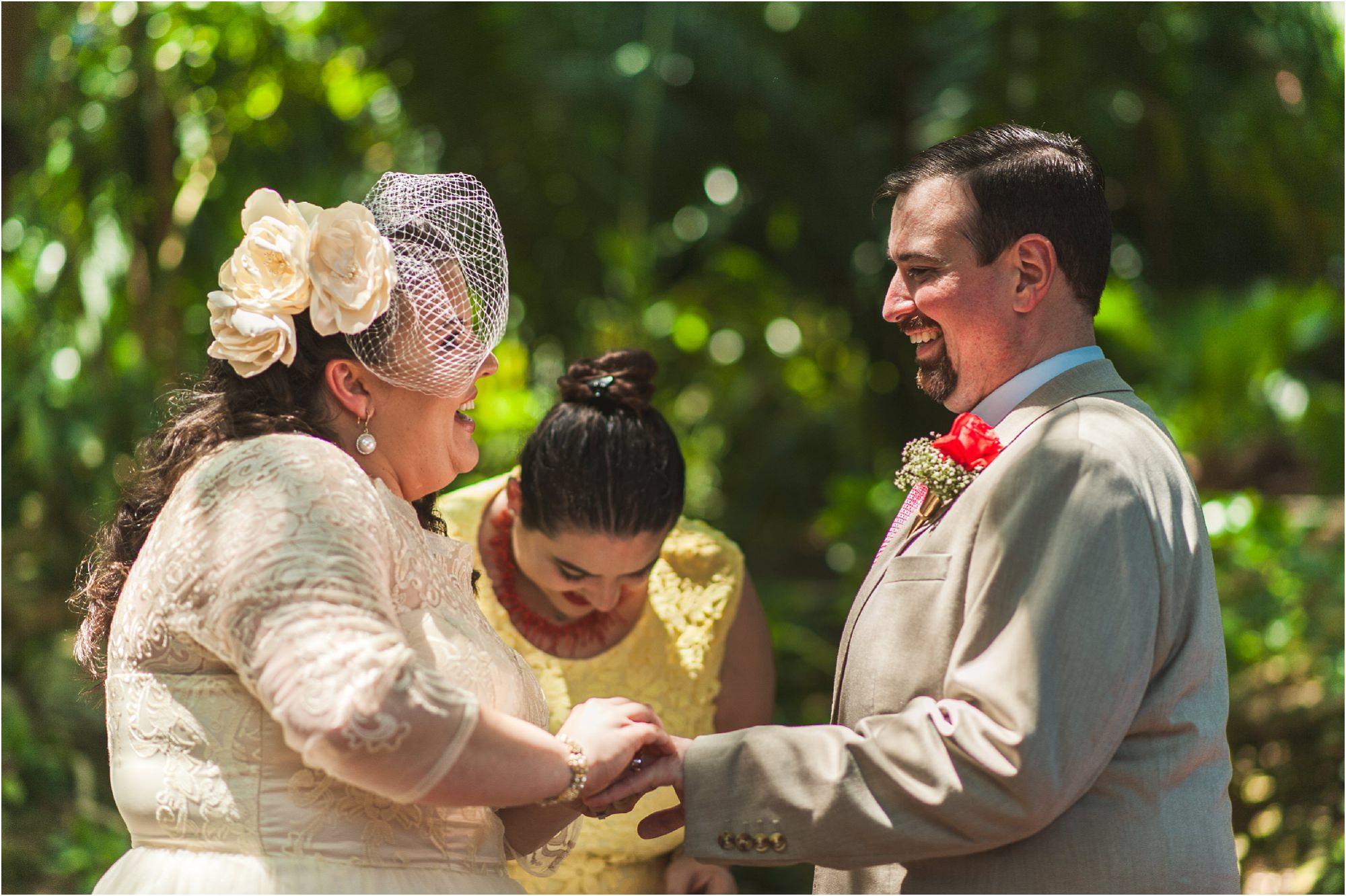 outdoor-rustic-pincrest-gardens-wedding-miami-photographer-jessenia-gonzalez_1045.jpg
