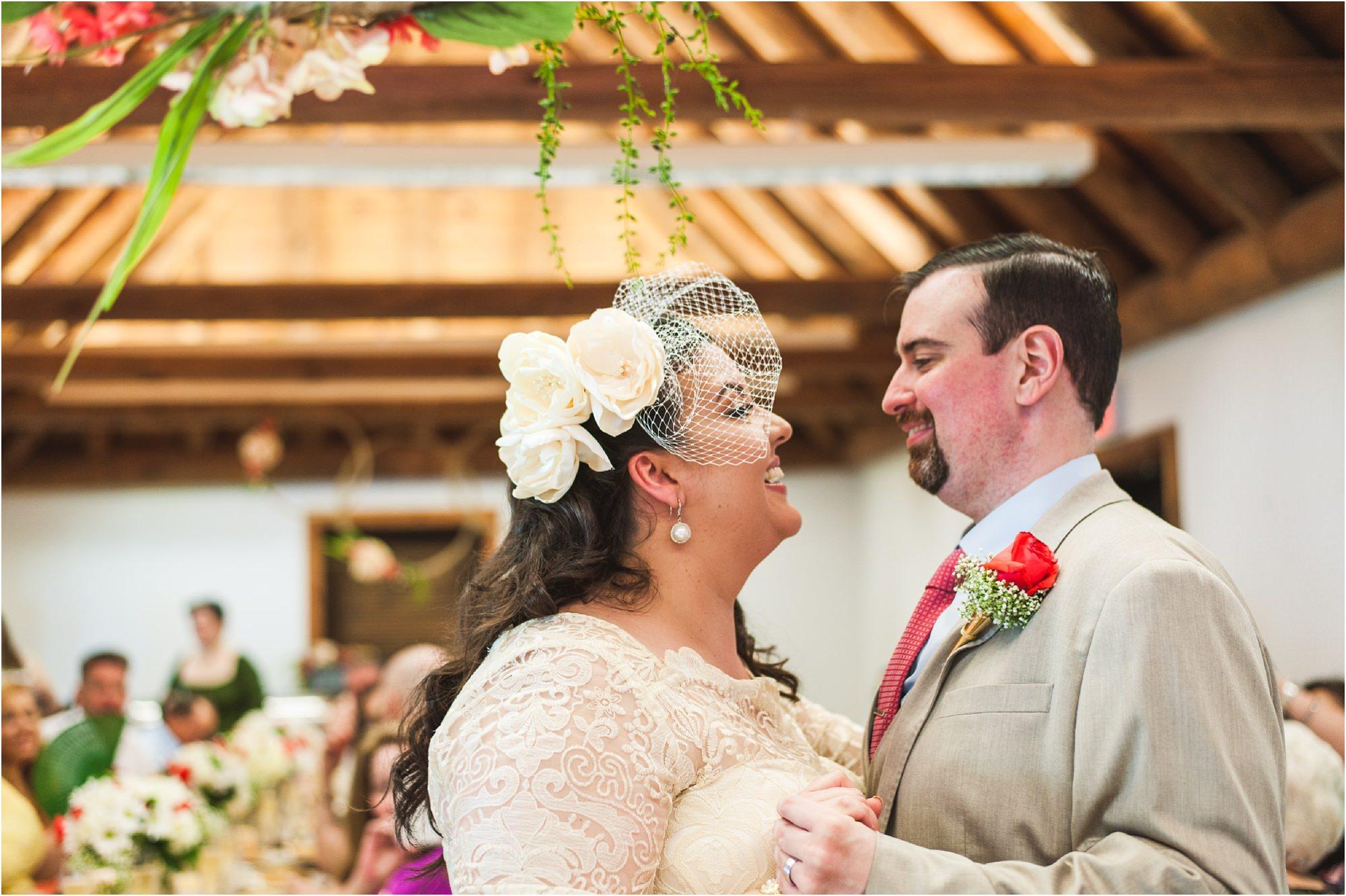 outdoor-rustic-pincrest-gardens-wedding-miami-photographer-jessenia-gonzalez_1055.jpg