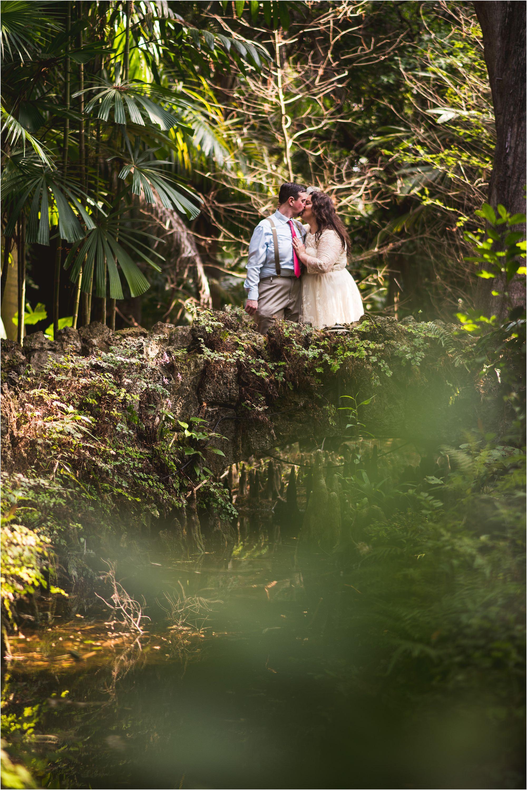 outdoor-rustic-pincrest-gardens-wedding-miami-photographer-jessenia-gonzalez_1086.jpg