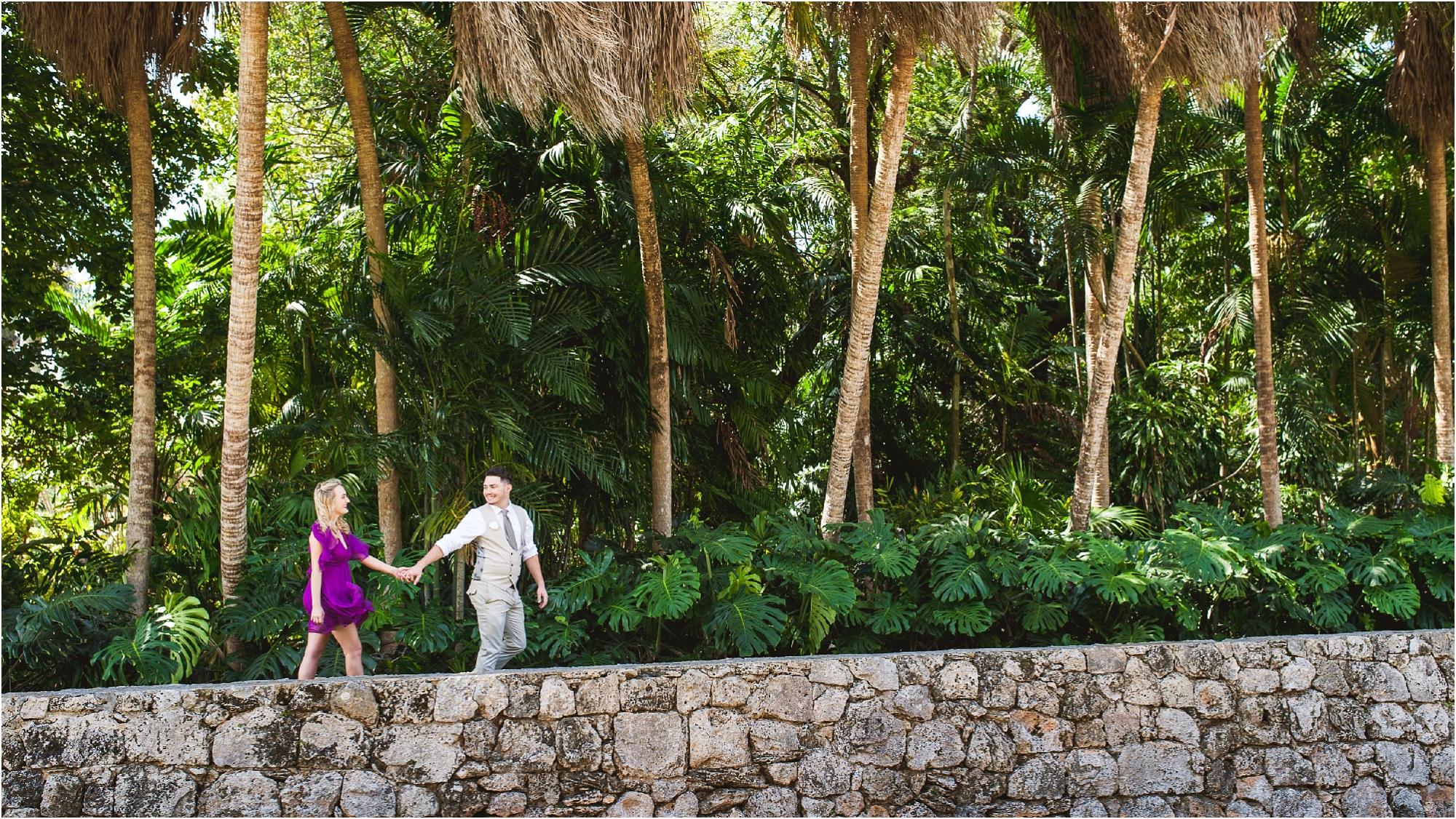 fairchild-tropical-botanic-garden-couple walking