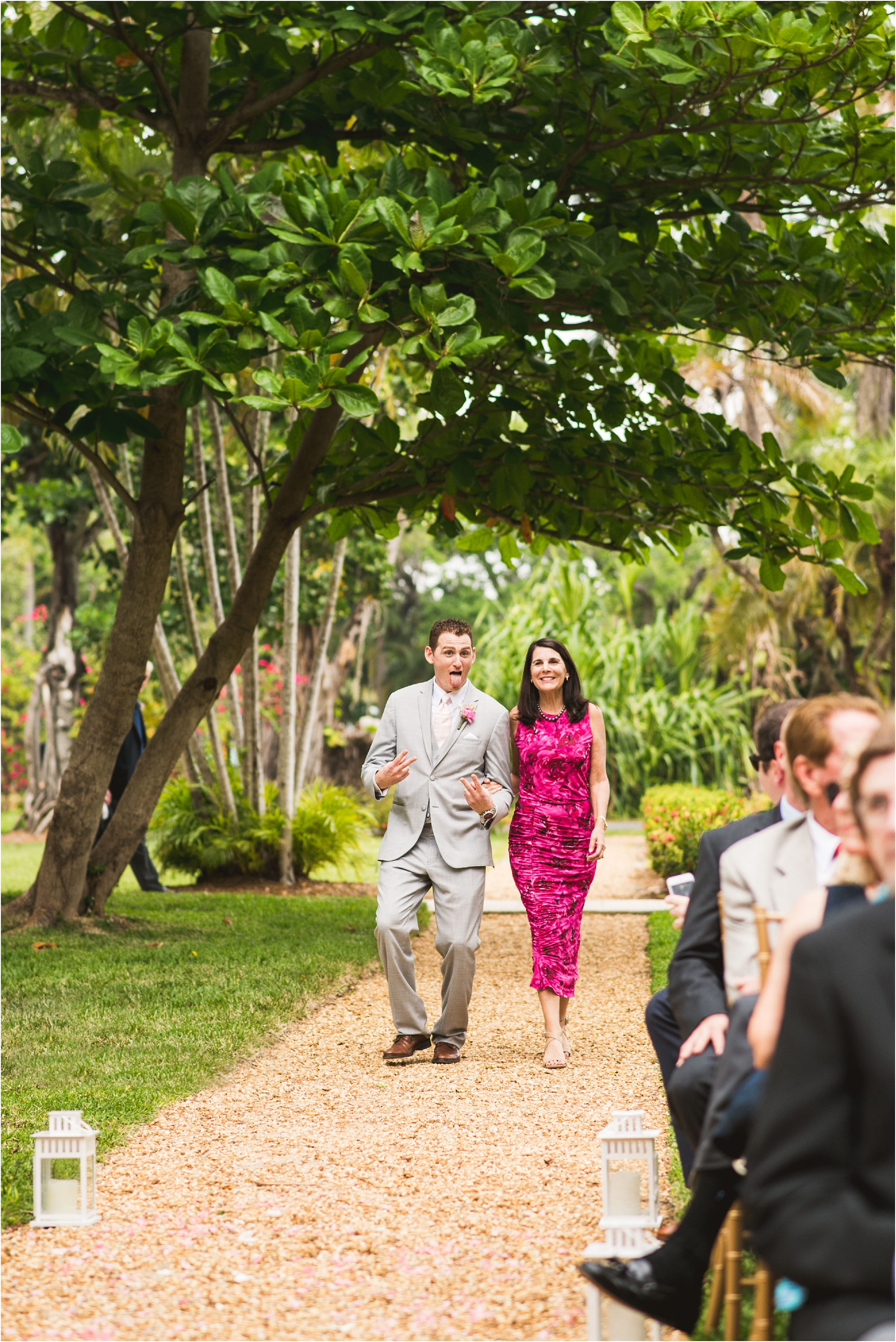 Spanish-Monastery-miami-beach-outdoor-elegant-wedding-photographer-jessenia-gonzalez_1146.jpg