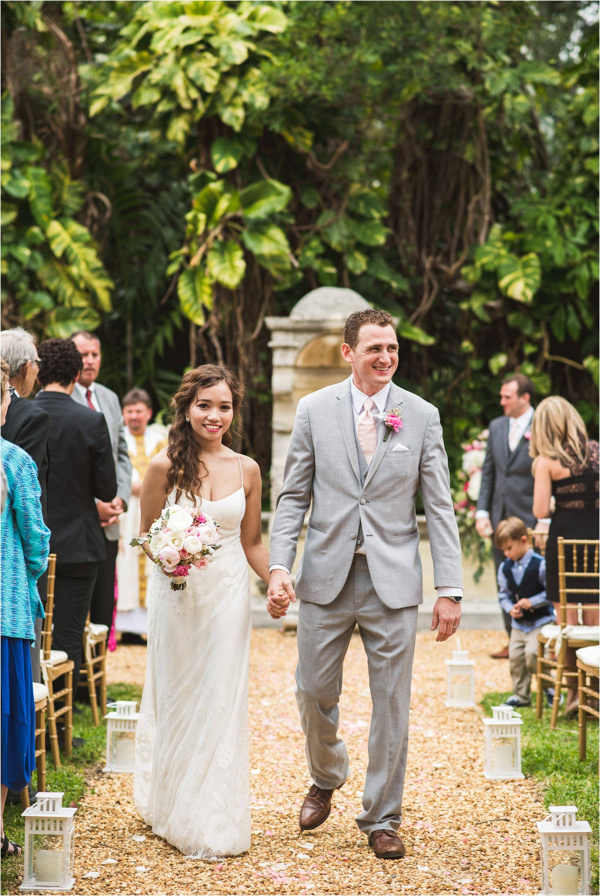 Spanish-Monastery-miami-beach-outdoor-elegant-wedding-photographer-jessenia-gonzalez_1177.jpg