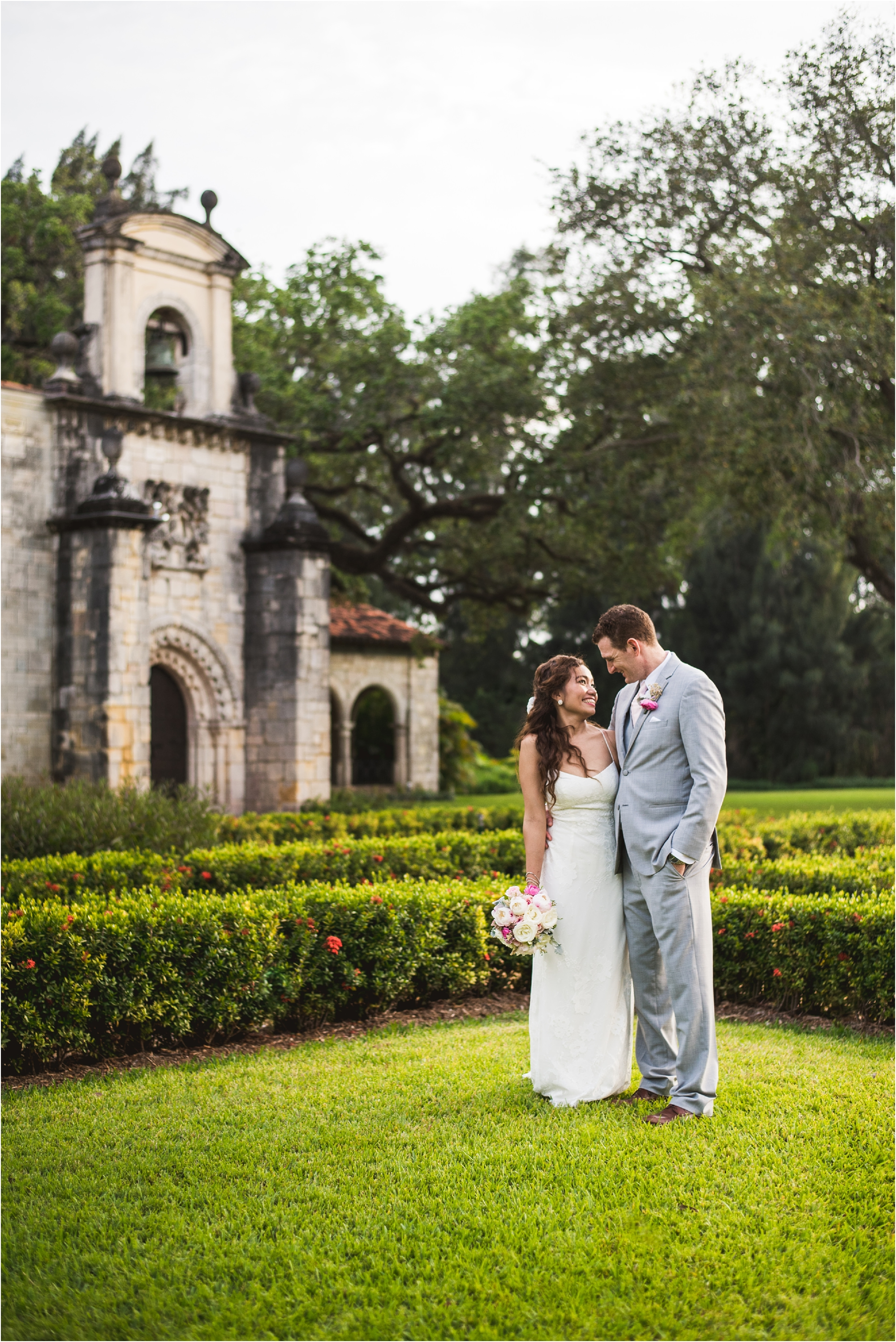 Spanish-Monastery-miami-beach-outdoor-elegant-wedding-photographer-jessenia-gonzalez_1226.jpg