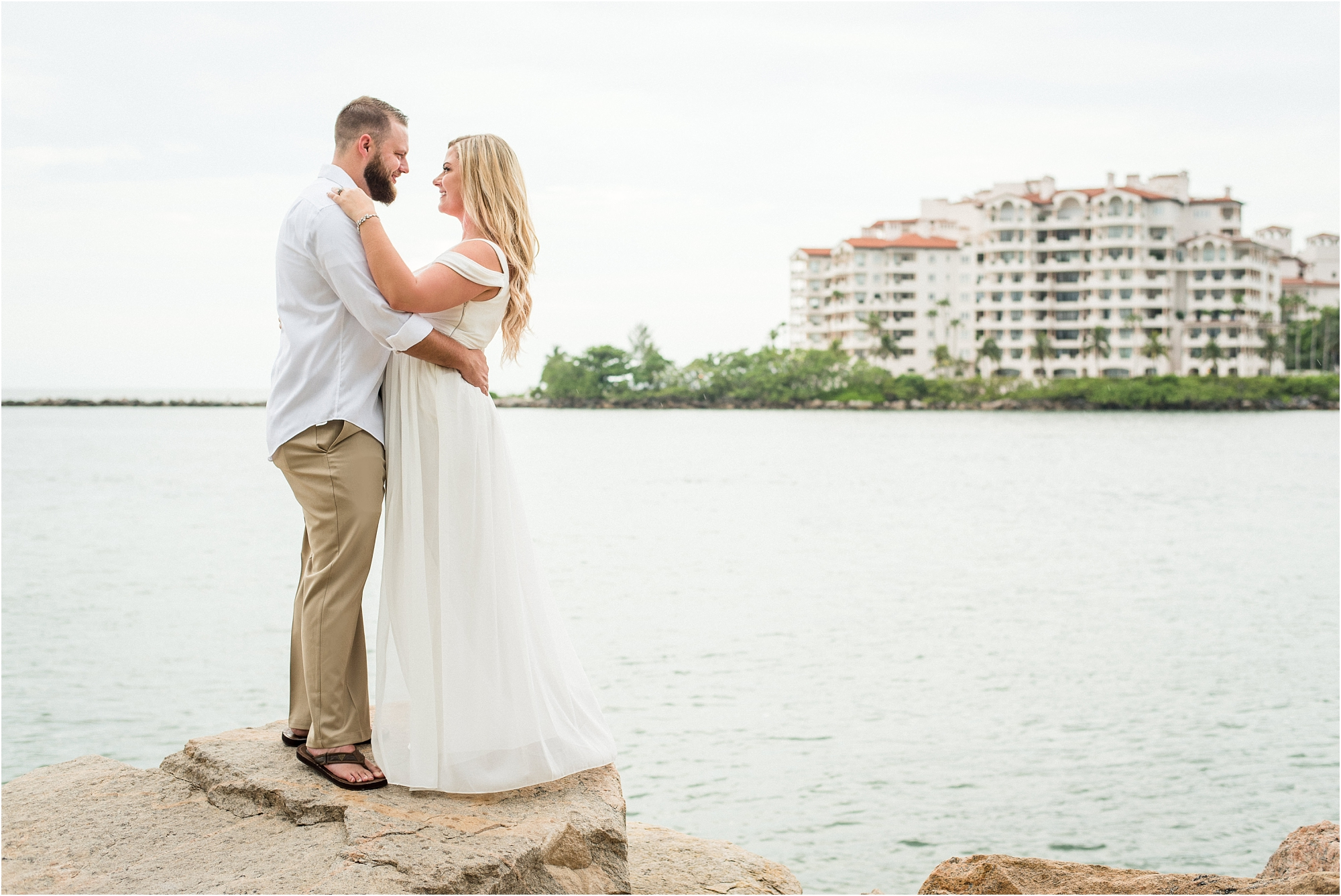 south pointe park-anniversary outdoor photo session-jessenia-gonzalez-weddings_1294.jpg
