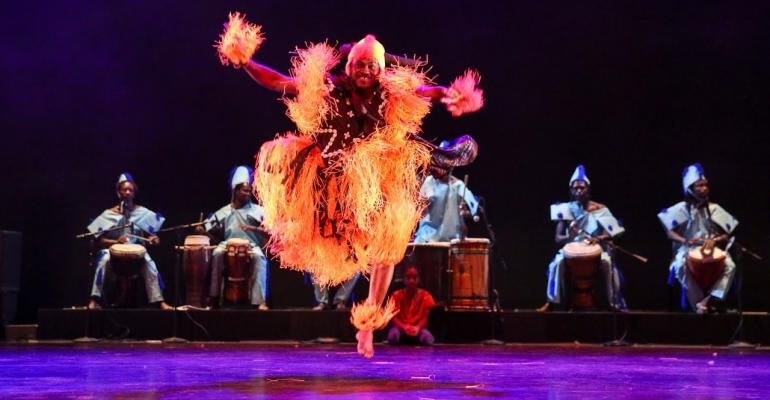 Senegal-LesBallets-de-la-Renaissance-Africaine-WAAtO-SiiTA-richard-termine.jpg