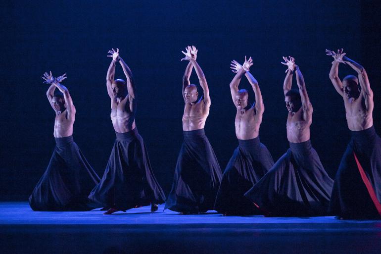 Alvin_Ailey_American_Dance_Theater_in_Robert_Battle_s_The_Hunt._Photo_by_Gert_Krautbauer.jpg