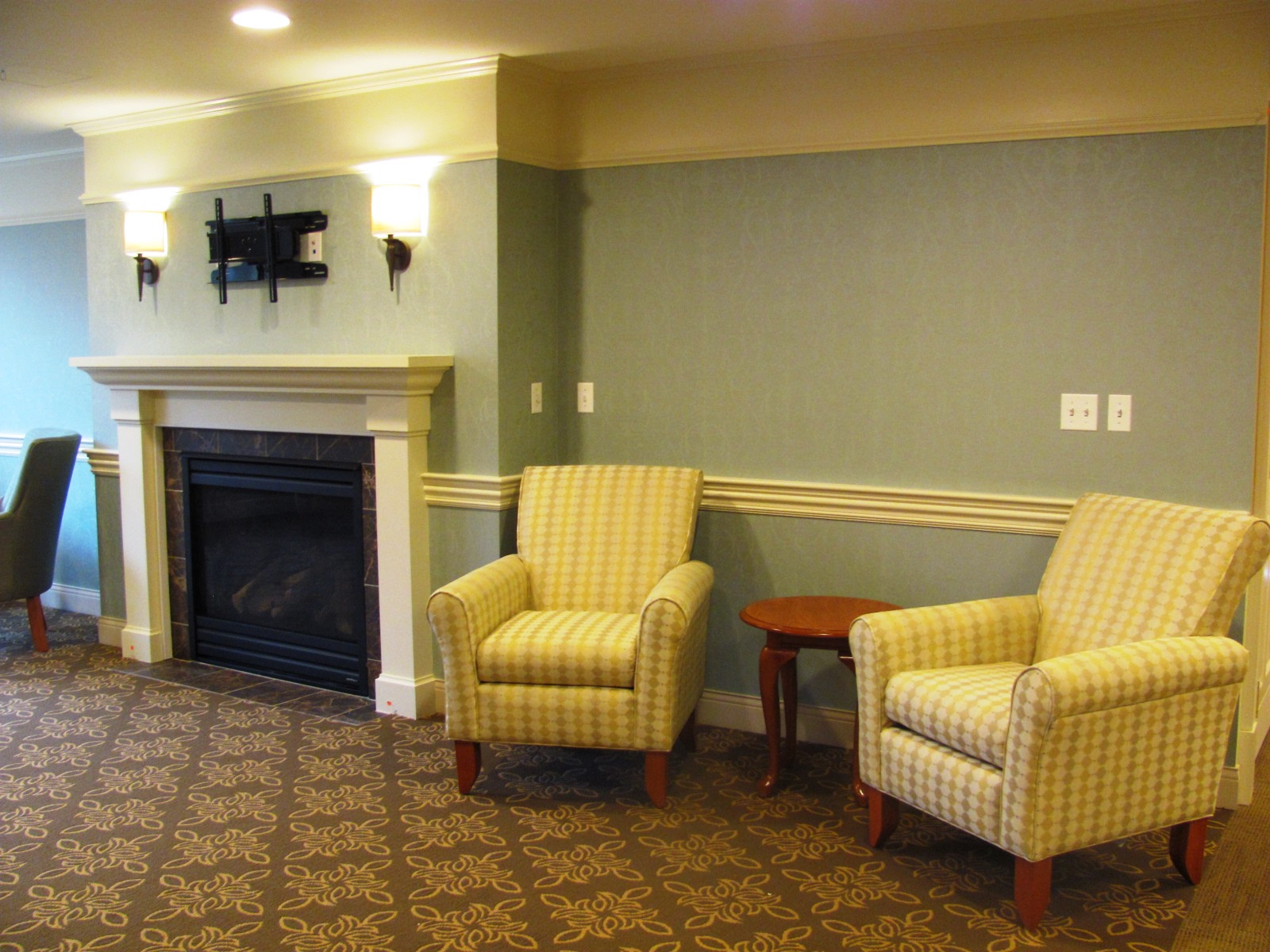 April_15_Comfortable_seating_in_living_room_area.jpg