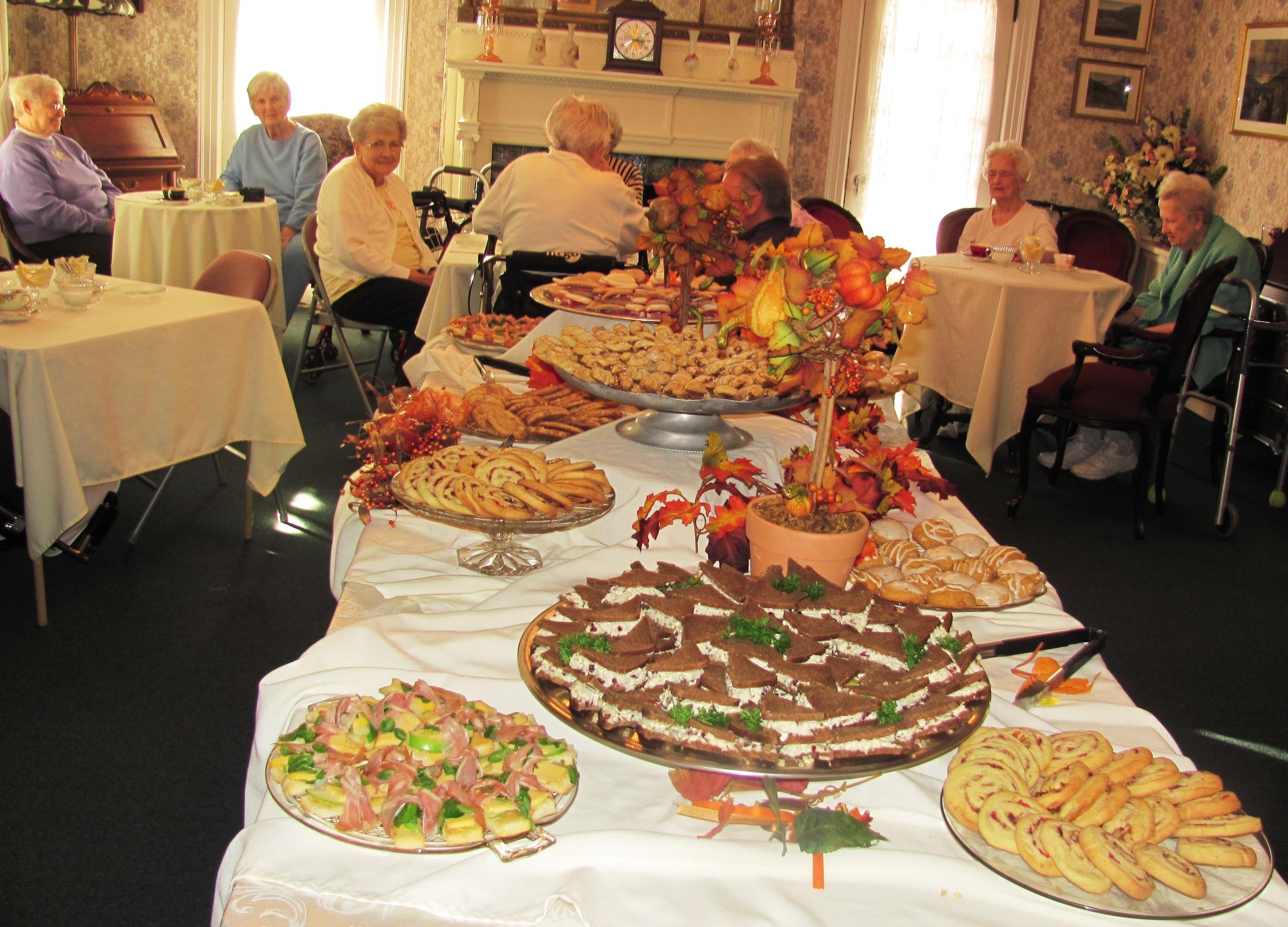 Food_Table_and_Room.jpg