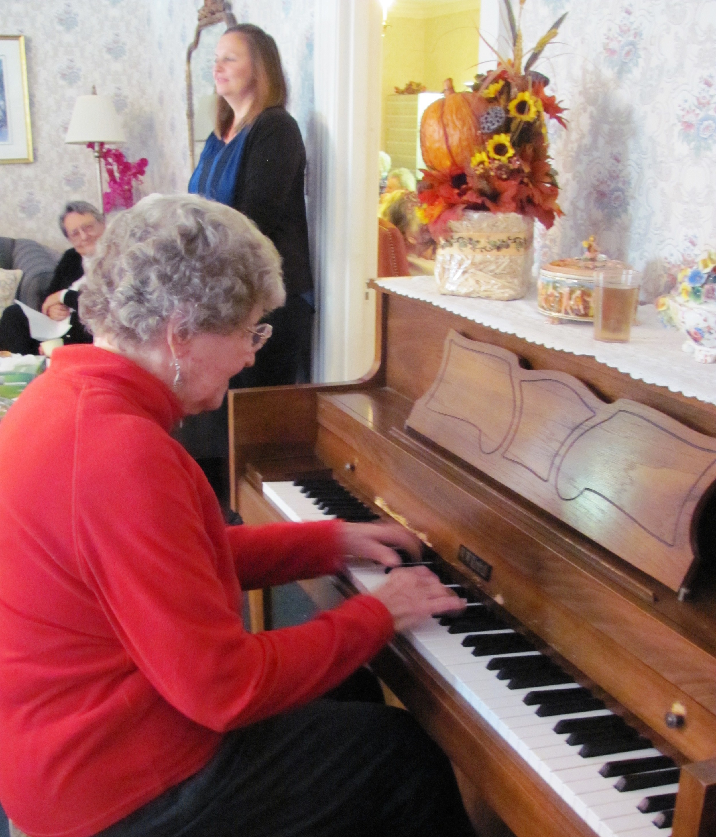 Mary_Jane_Collins_Entertaining_During_Fall_Tea.jpg