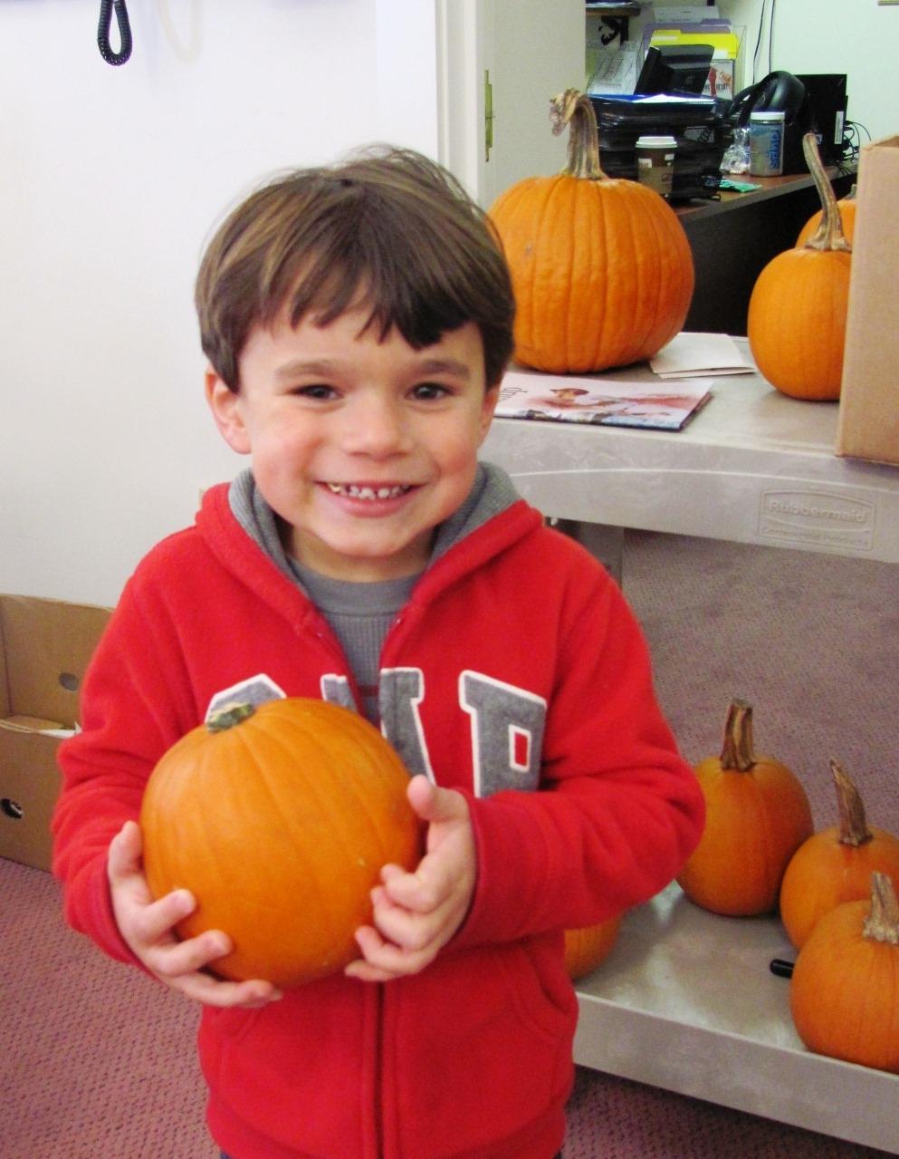 Adian_Medeiros_with_pumpkin.jpg