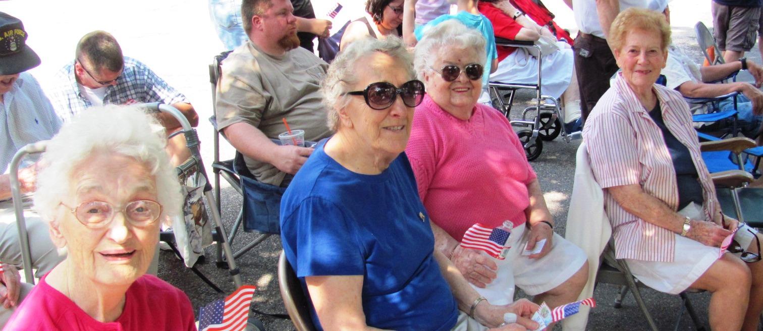 Ladies_waiting_for_parade.jpg